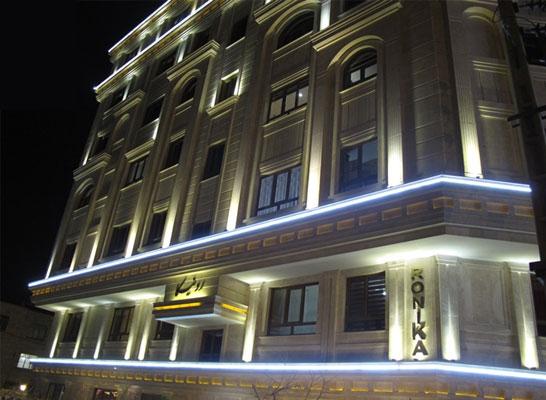 نورپردازی ساختمان با نمای رومی